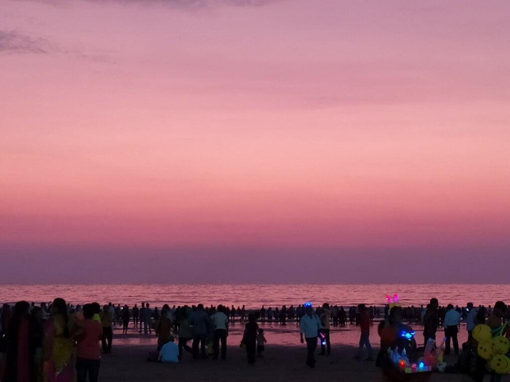 Wordcamp Mumbai 2019 - Beautiful Pink/Purple shade of the sky at Juhu beach.