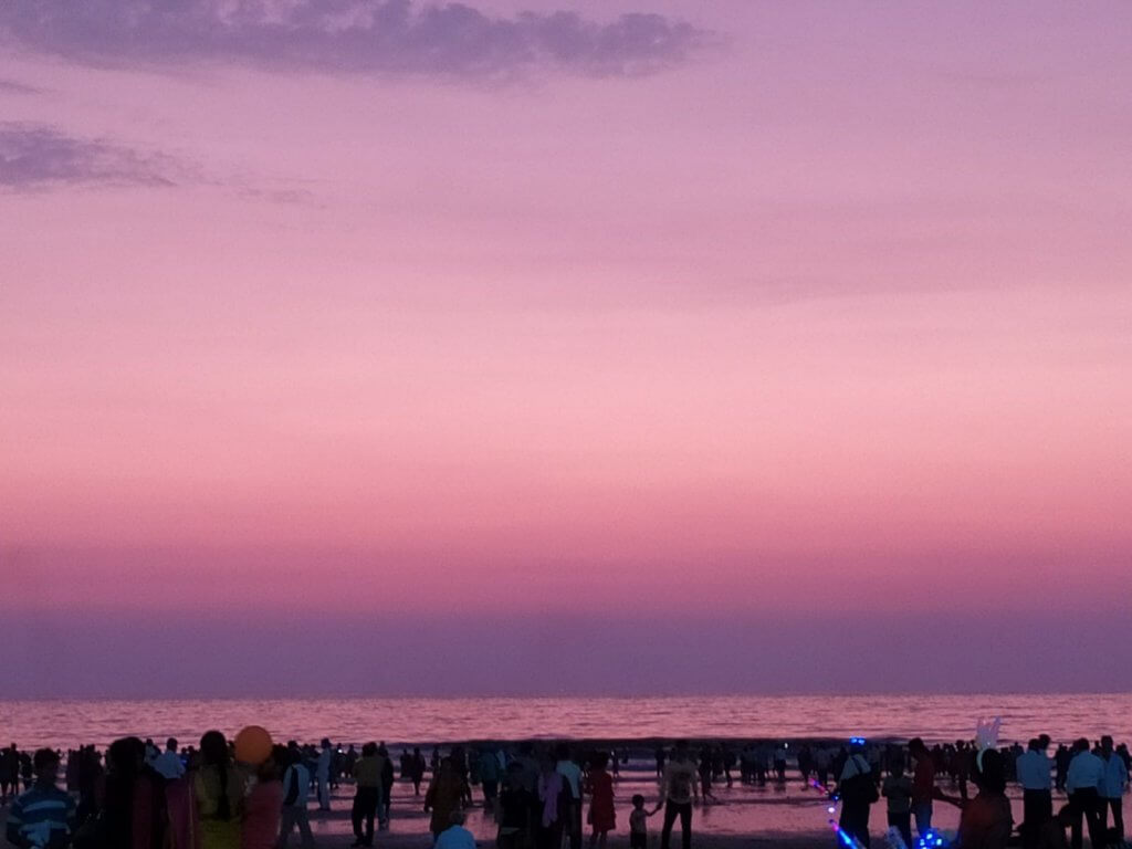 Wordcamp Mumbai 2019 - Beautiful Pink/Purple shade of the sky at Juhu beach.